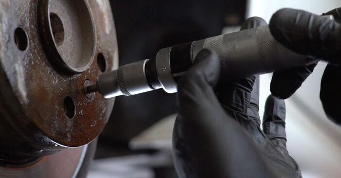 Recommandations étape par étape pour remplacer soi-même Mercedes W245 2011 B 150 1.5 (245.231) Roulement De Roues