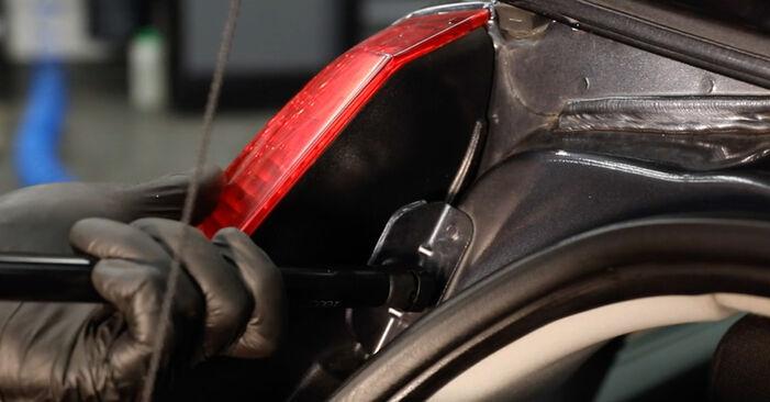 Recomendações passo a passo para a substituição de Ford Fiesta V jh jd 2004 ST150 2.0 Amortecedor Da Mala por si mesmo