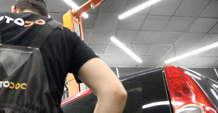 Substituição de Ford Fiesta V jh jd 1.4 16V 2003 Amortecedor Da Mala: manuais gratuitos de oficina
