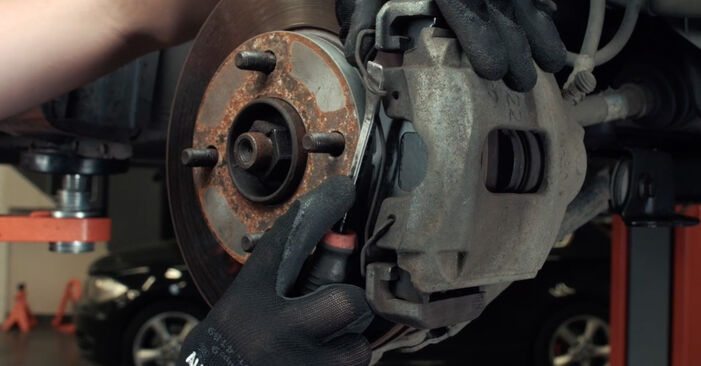 FORD FIESTA 1.4 TDCi Brake Discs replacement: online guides and video tutorials