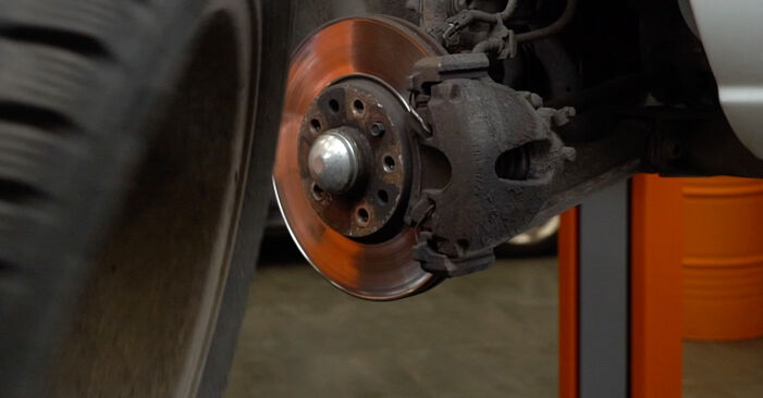 Bremsbeläge am OPEL Zafira A (T98) 2.0 DI 16V (F75) 2004 wechseln – Laden Sie sich PDF-Handbücher und Videoanleitungen herunter