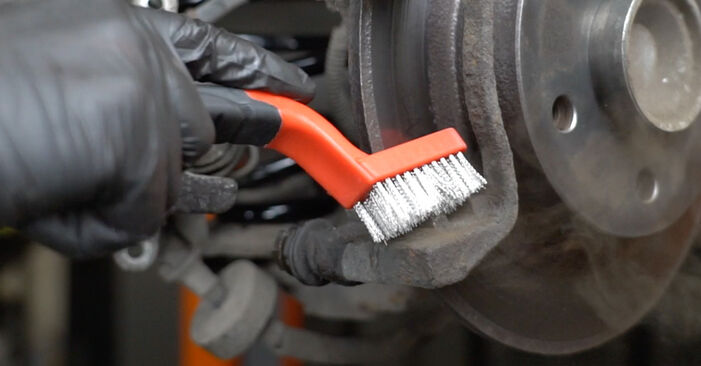 Zafira A (T98) 2.2 16V (F75) 2003 Brake Pads DIY replacement workshop manual