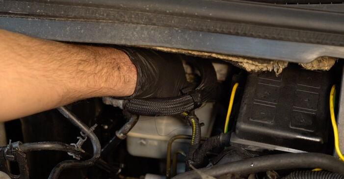 Wie Bremsscheiben Opel Zafira f75 2.0 DTI 16V (F75) 1999 tauschen - Kostenlose PDF- und Videoanleitungen