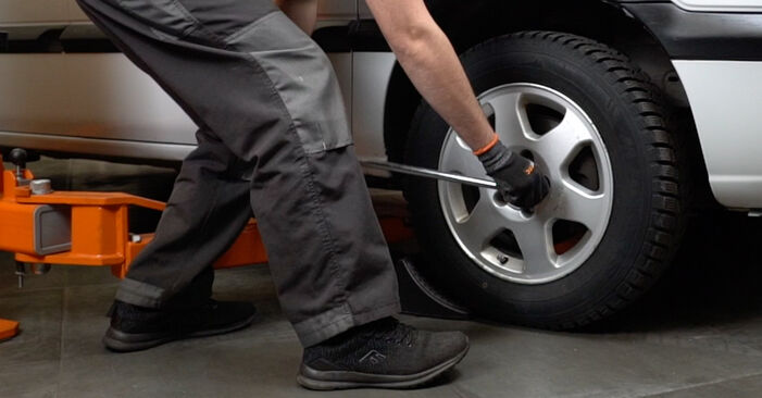 Opel Zafira f75 1.8 16V (F75) 2001 Brake Discs replacement: free workshop manuals