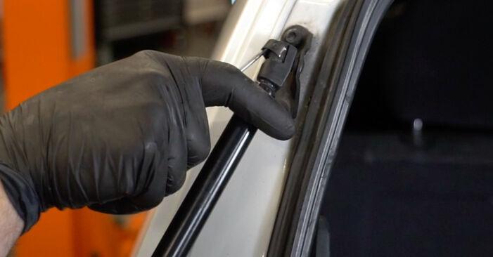 Wie schwer ist es, selbst zu reparieren: Heckklappendämpfer Opel Zafira f75 2.0 OPC (F75) 2005 Tausch - Downloaden Sie sich illustrierte Anleitungen