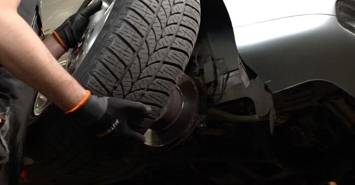 Wie BMW 5 SERIES 525tds 2.5 1999 Spurstangenkopf ausbauen - Einfach zu verstehende Anleitungen online