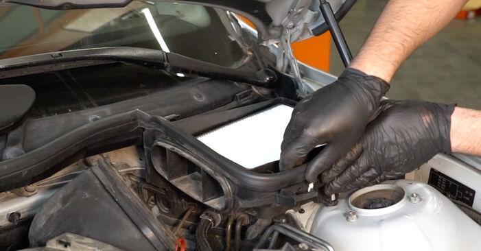 Zweckdienliche Tipps zum Austausch von Bremsscheiben beim BMW 5 Limousine (E39) 528i 2.8 2000