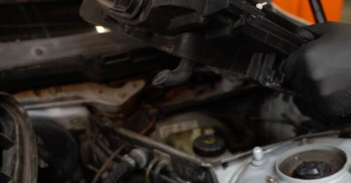 Bremsscheiben am BMW 5 Limousine (E39) 525d 2.5 2000 wechseln – Laden Sie sich PDF-Handbücher und Videoanleitungen herunter