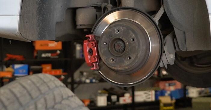5 Saloon (E39) 525tds 2.5 1997 Brake Discs DIY replacement workshop manual