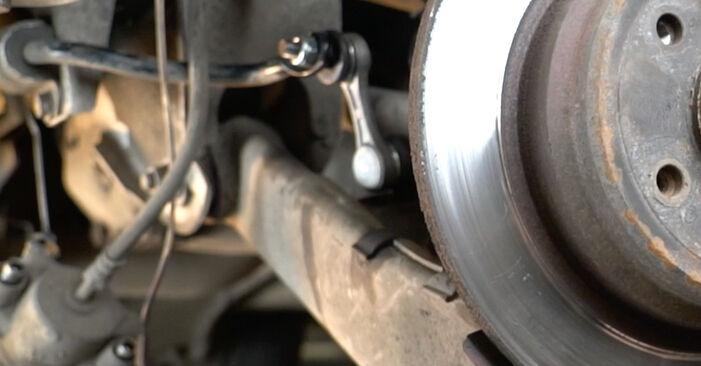 Wie schwer ist es, selbst zu reparieren: Bremsscheiben BMW E39 525i 2.5 2001 Tausch - Downloaden Sie sich illustrierte Anleitungen