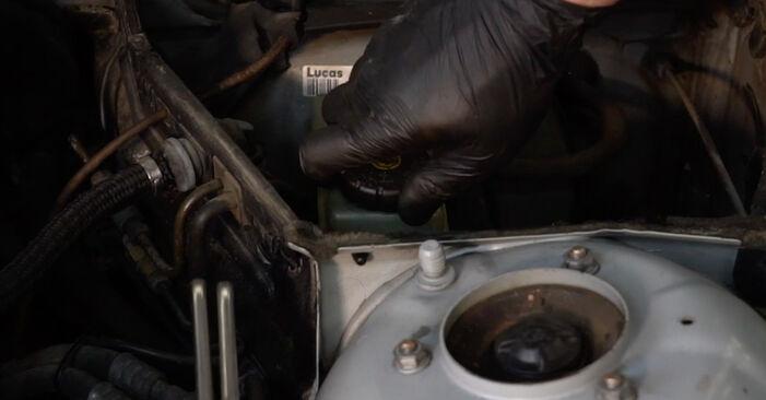 Wechseln Bremsbeläge am BMW 5 Limousine (E39) 520i 2.0 1998 selber