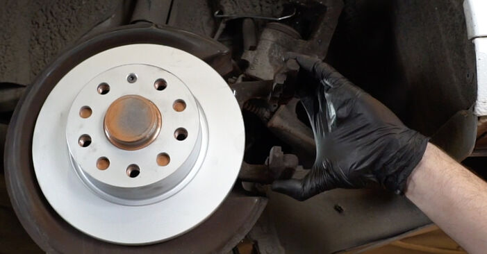 How hard is it to do yourself: Brake Discs replacement on Audi A3 8pa 1.4 TFSI 2009 - download illustrated guide