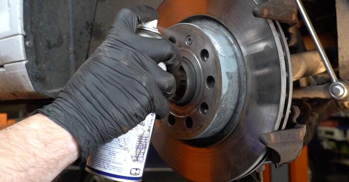 Bytte A3 Sportback (8PA) 1.6 2005 Bremseskiver – gjør det selv med vår veiledning