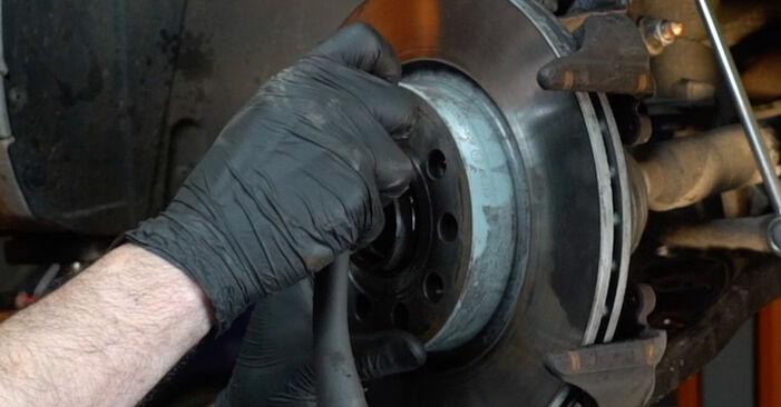 Hvordan skifte Bremseskiver på AUDI A3 Sportback (8PA) 2006 – tips og triks