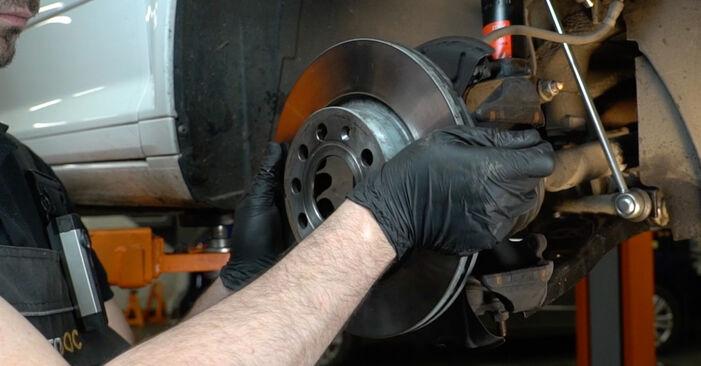 Trinn-for-trinn anbefalinger for hvordan du kan bytte Audi A3 8pa 2007 1.6 Bremseskiver selv