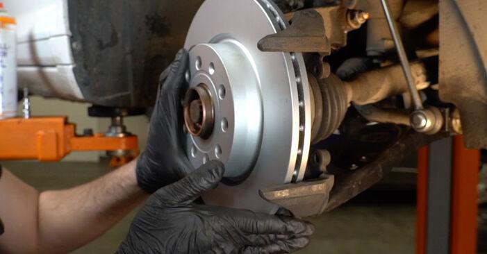 Slik bytter du AUDI A3 Sportback (8PA) 2.0 TDI 16V 2005 Bremseskiver selv – trinn-for-trinn veiledninger og videoer