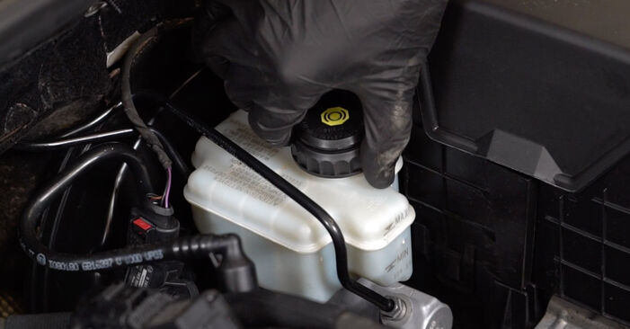 Hvordan bytte AUDI A3 Sportback (8PA) 2.0 TDI 2008 Bremseskiver selv – veiledning på nettet