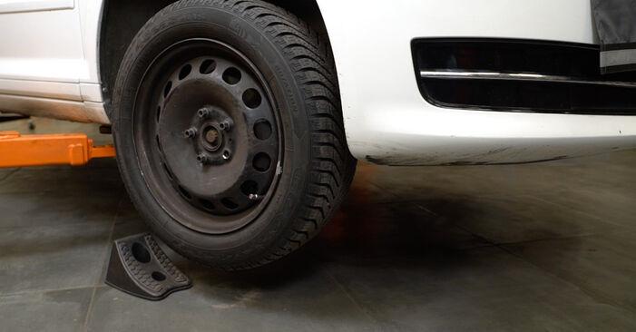 Hvordan bytte Bremseskiver på AUDI A3 Sportback (8PA) 1.6 TDI 2007 selv
