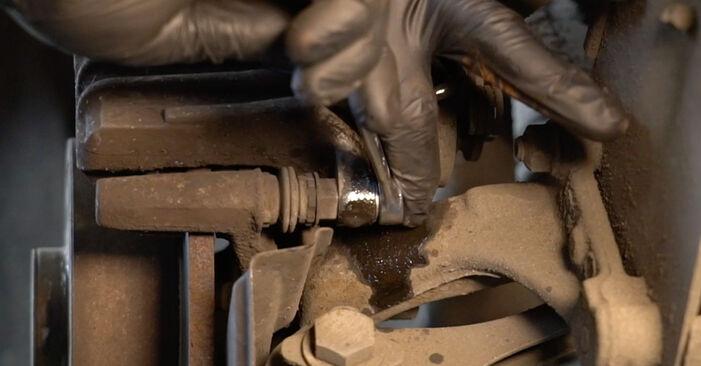 Bremsbeläge beim AUDI A3 2.0 FSI 2010 selber erneuern - DIY-Manual