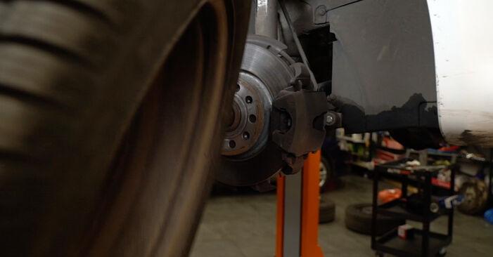 Hvordan skifte Bremseklosser på AUDI A3 Sportback (8PA) 2008: Last ned PDF- og videoveiledninger