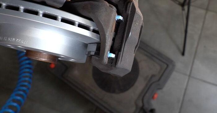 Bremssattel beim AUDI A3 2.0 FSI 2010 selber erneuern - DIY-Manual