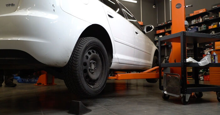 Audi A3 8pa 1.9 TDI 2005 Ρουλεμάν τροχών αντικατάσταση: δωρεάν εγχειρίδια συνεργείου