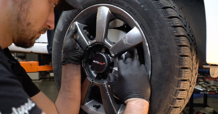 Ersetzen Sie Querlenker am VW Polo 5 Limousine 2019 1.6 TDI selbst