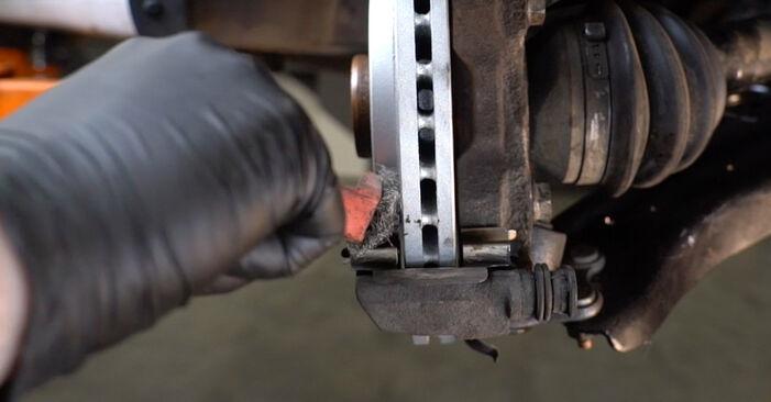 Polo Saloon (602, 604, 612, 614) 1.6 2020 Brake Pads DIY replacement workshop manual