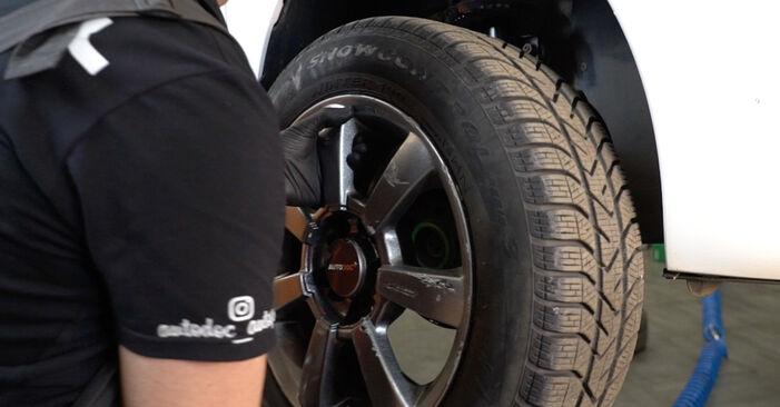 Bremsbeläge am VW Polo Limousine (602, 604, 612, 614) 1.5 TDI 2014 wechseln – Laden Sie sich PDF-Handbücher und Videoanleitungen herunter