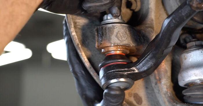 Hur byta Styrled på Audi A4 B8 Sedan 2007 – gratis PDF- och videomanualer