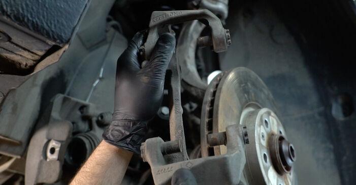 AUDI A4 Limousine (8K2, B8) 2.7 TDI 2012 Bremsscheiben selbst wechseln - Handbuch online