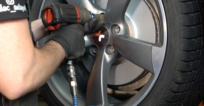 Audi A4 B8 Limousine 1.8 TFSI 2009 Bremsscheiben austauschen: Unentgeltliche Reparatur-Tutorials