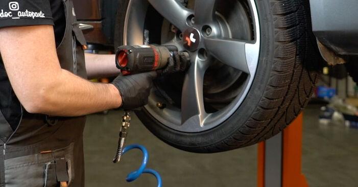 Wie man AUDI A4 S4 3.0 quattro 2011 Bremsscheiben austauscht - Eingängige Anweisungen online