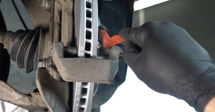 Kaip pakeisti AUDI A4 Sedanas (8K2, B8) 2010 Stabdžių Kaladėlės - patarimai ir gudrybės