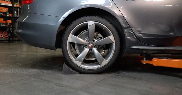 Bremsbeläge Audi A4 B8 Limousine 2.7 TDI 2009 wechseln: Kostenlose Reparaturhandbücher