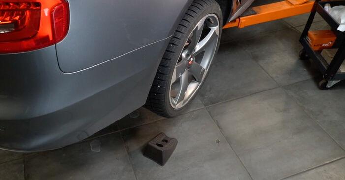 Wie AUDI A4 S4 3.0 quattro 2011 Bremsbeläge ausbauen - Einfach zu verstehende Anleitungen online