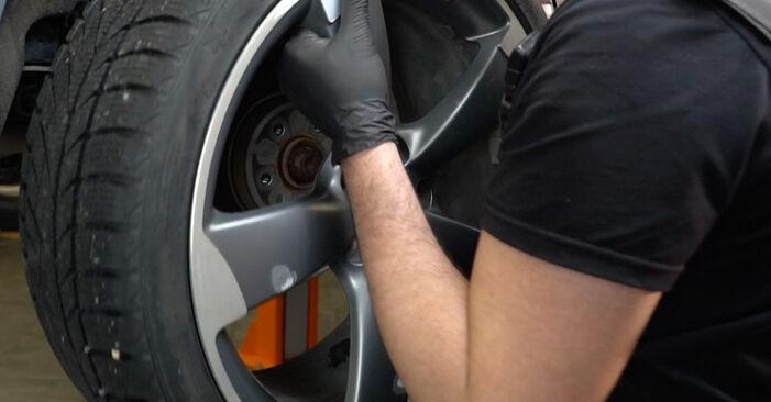 Ar sudėtinga pasidaryti pačiam: Audi A4 B8 Sedanas 1.8 TFSI 2013 Stabdžių Kaladėlės keitimas - atsisiųskite iliustruotą instrukciją