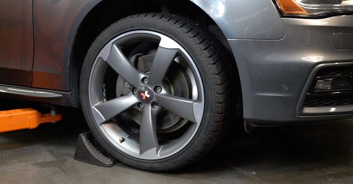 Kako zamenjati Roka na Audi A4 B8 Sedan 2007 - brezplačni PDF in video priročniki