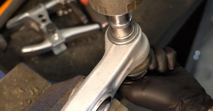 Changing Control Arm on AUDI A4 Saloon (8K2, B8) 3.0 TDI quattro 2010 by yourself