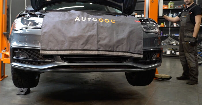 Audi A4 B8 Saloon 1.8 TFSI 2009 Control Arm replacement: free workshop manuals