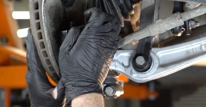 Kako zamenjati Roka na AUDI A4 Sedan (8K2, B8) 2012 - prenesite PDF priročnike in video navodila