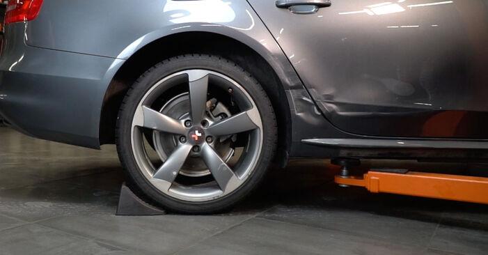 Kaip pakeisti Vikšro Valdymo Svirtis la Audi A4 B8 Sedanas 2007 - nemokamos PDF ir vaizdo pamokos