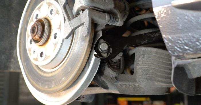 Kaip pakeisti Vikšro Valdymo Svirtis AUDI A4 Sedanas (8K2, B8) 2012: atsisiųskite PDF instrukciją ir vaizdo pamokas