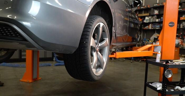Audi A4 B8 Sedanas 1.8 TFSI 2009 Vikšro Valdymo Svirtis keitimas: nemokamos remonto instrukcijos
