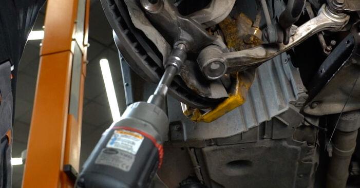 Zweckdienliche Tipps zum Austausch von Querlenker beim BMW 5 Limousine (E60) 520d 2.0 2005