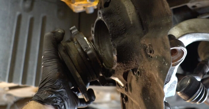 BMW E60 525d 2.5 2003 Rato guolis keitimas: nemokamos remonto instrukcijos
