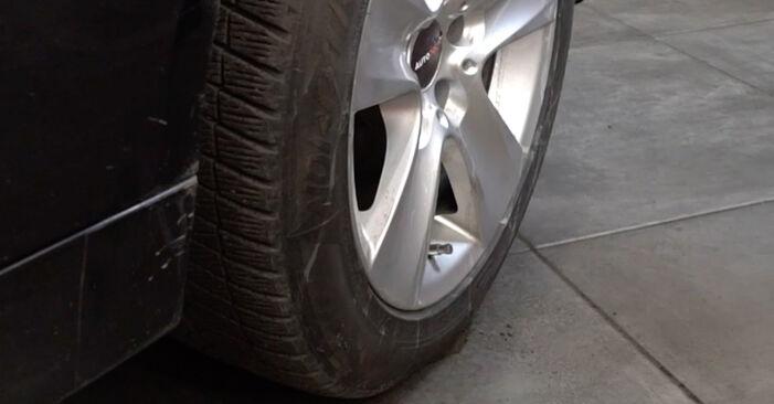 Ar sudėtinga pasidaryti pačiam: BMW E60 530i 3.0 2007 Rato guolis keitimas - atsisiųskite iliustruotą instrukciją