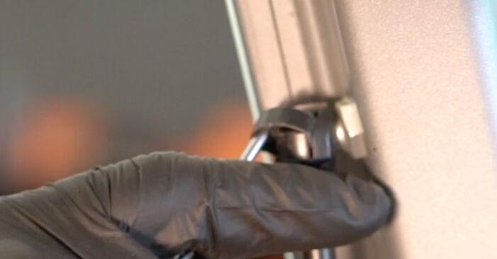 Wie FIAT GRANDE PUNTO 1.4 T-Jet 2012 Heckklappendämpfer ausbauen - Einfach zu verstehende Anleitungen online