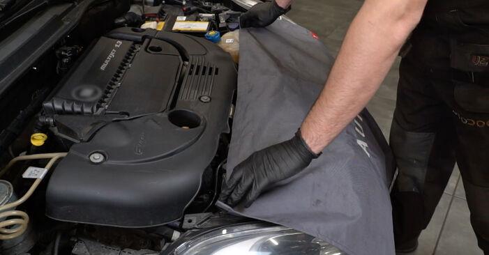 Как да сменим FIAT GRANDE PUNTO (199) 1.3 D Multijet 2006 Многоклинов(пистов) ремък - стъпка по стъпка инструкции и видео ръководства