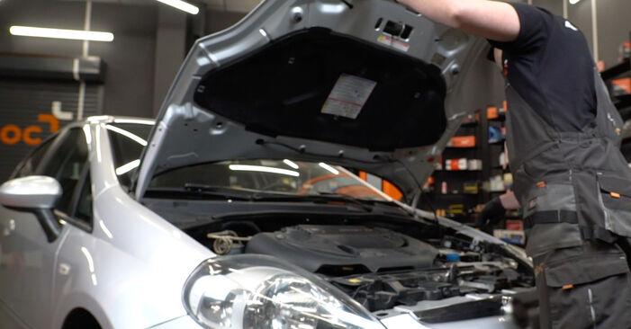 Wie Bremsbeläge Fiat Punto 199 1.3 D Multijet 2008 tauschen - Kostenlose PDF- und Videoanleitungen